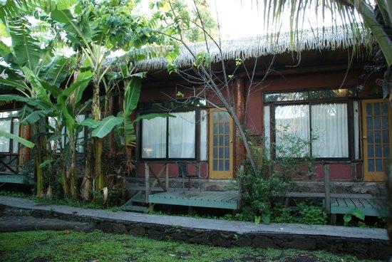 Hotel Manavai: les petites cabanes où se trouvent les chambres