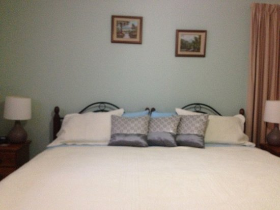 Southern River B&B: King room with private ensuite