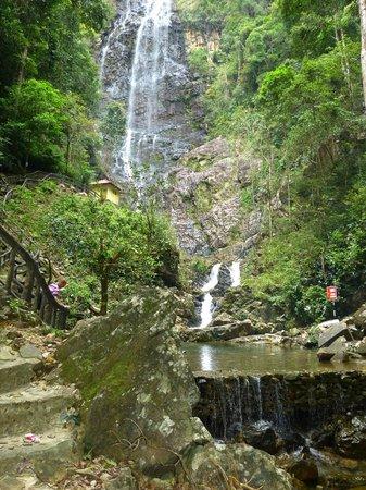 Temurun Waterfall: Wasserfall