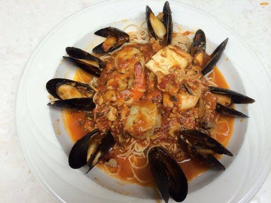 Nonna's: Seafood Cippino