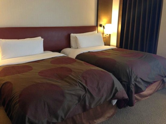 Shangri-La's Far Eastern Plaza Hotel Tainan: bed