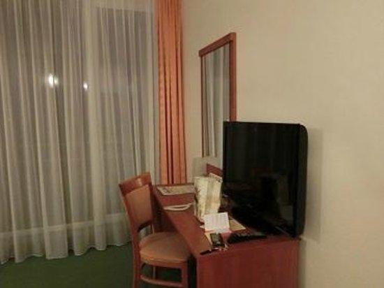 Atrium Hotel: ベランダ
