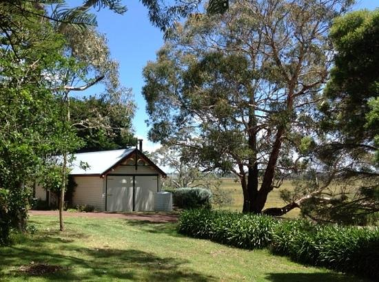 Quamby Homestead: view of coach house