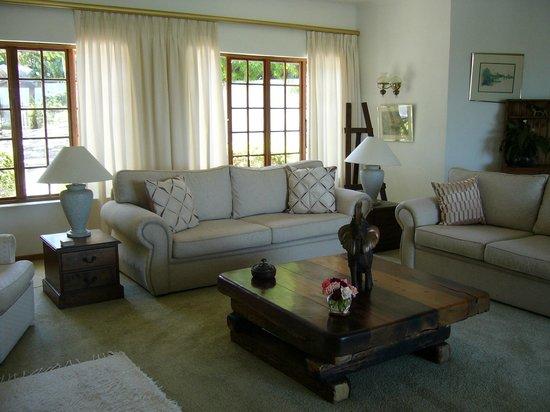 Kilkerran Guest House: Lounge