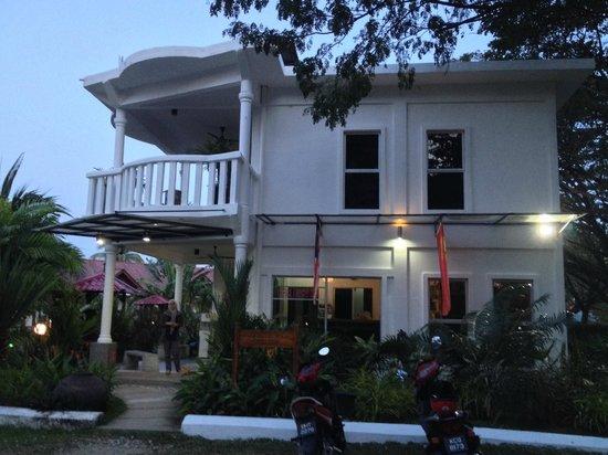 White Lodge Motel: Main building