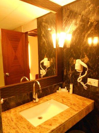 Accord Highland Hotel Ooty : Wash Room