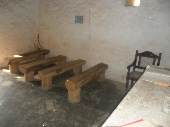 Portuguese Church: Public Seating Area