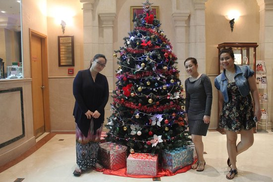 Grand Continental Flamingo Hotel: oh christmas tree!