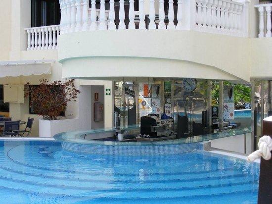 swim up pool bar picture of club paradiso the paramount los cristianos tripadvisor