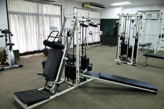 Imperial Chiang Mai Resort & Sports Club : 小さいけどGYMもありますので、身体をなまけられません。