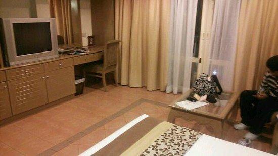 Horizon Patong Beach Resort & Spa: 部屋2