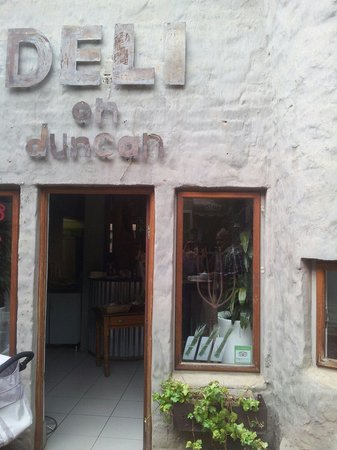 Deli on Duncan: The entry