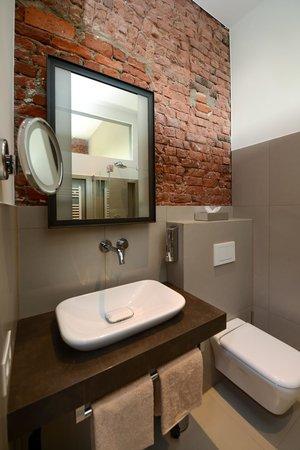 Hotel Volksschule: Badezimmer