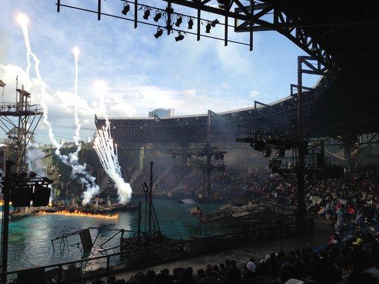 Universal Studios Japan: Waterworld