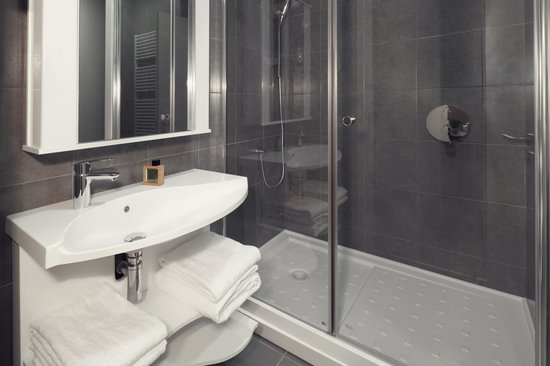 Adagio Moscow Paveletskaya : Bathroom with Bathtube