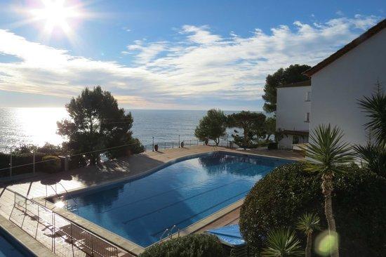 Silken Park Hotel San Jorge : hotel pool in January