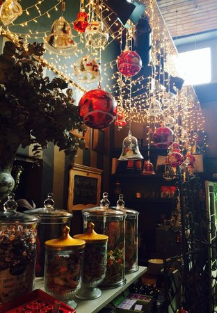 Bredasdorp Square Eat Sleep Shop: The shop next to the restaurant with the most interesting goodies!