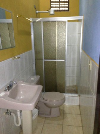 Hotel Rosalila: Room #9 bathroom