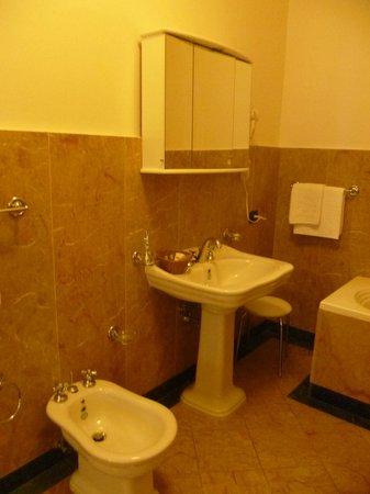 Charles Bridge Palace : Salle de bains