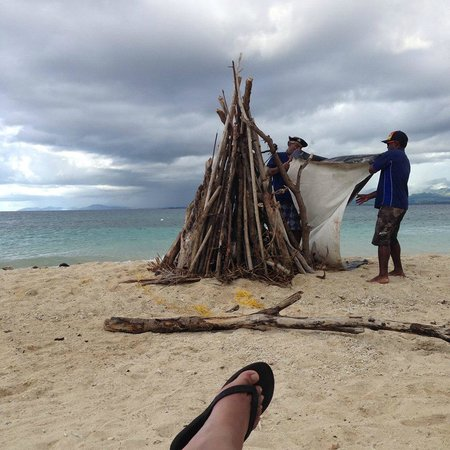 Bounty Island Resort: Asked for a bonfire.. and got one straight away!