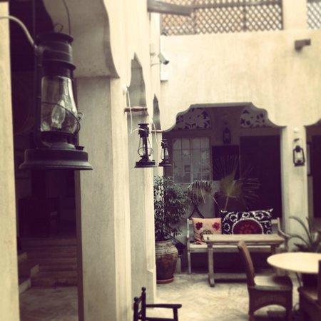 XVA Art Hotel: courtyard decor
