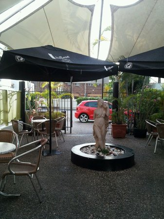 Coffee Star Cafe: Raining in Rocky