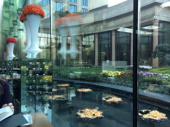Room photo de the leela palace new delhi new delhi for Hotel cube londres
