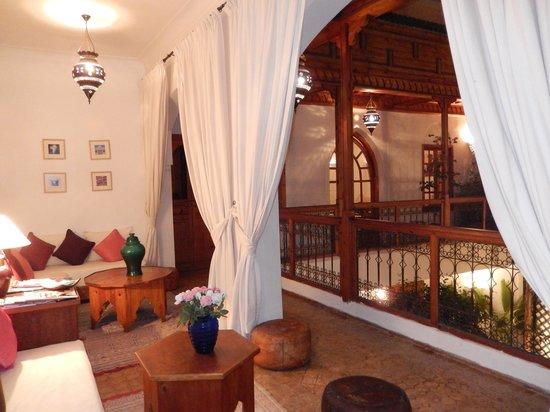 Riad Irene : Le petit salon du 1er étage donnant sur le patio