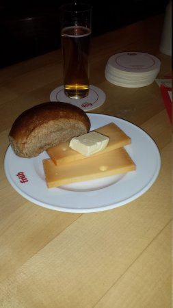 Früh am Dom: The halve hahm. Cheese with bread & butter