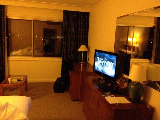 Holiday Inn London-Heathrow M4, Jct. 4 : Standard and very tired room!