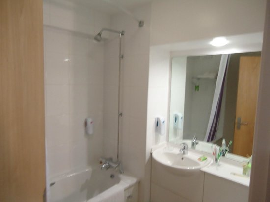 Premier Inn Cambridge (A14, J32) Hotel: baño