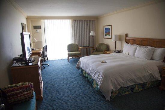 Hilton Hawaiian Village Rooms Suites Photo Gallery: Diamond Head Tower.