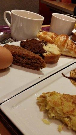 Ibis Colmar Centre: Breakfast items