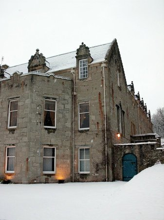 Tulloch Castle Hotel : Front