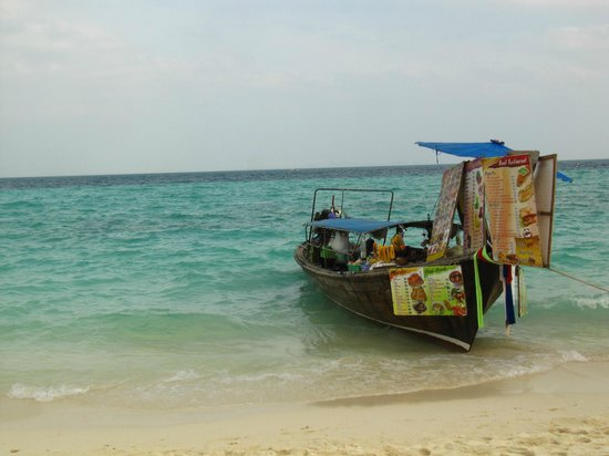 """Grocery"" at Poda Island :)"