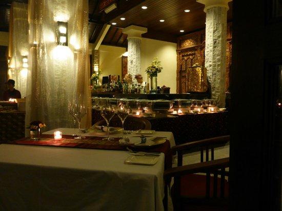 Ayung Resort Ubud: view of the restaurant - on a buffet night