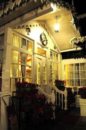The Elgin, Darjeeling : Entrance