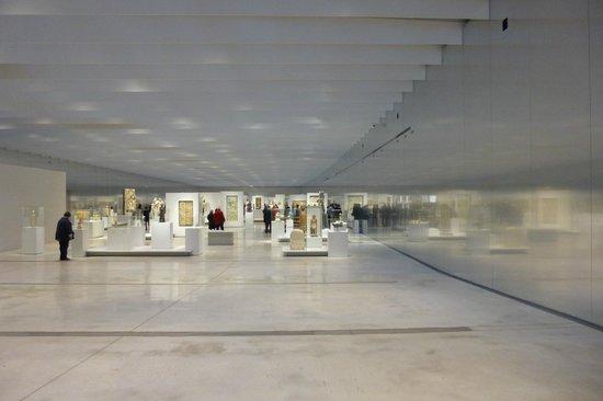 Louvre-Lens : la salle entrée gratuite