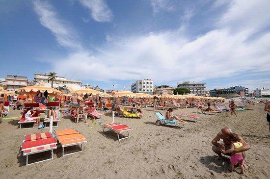Hotel Marco Polo Caorle: spiaggia