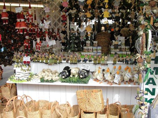 Viktualienmarkt: Exposição de produtos típicos