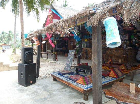 Lanta New Coconut Bungalow : Bar