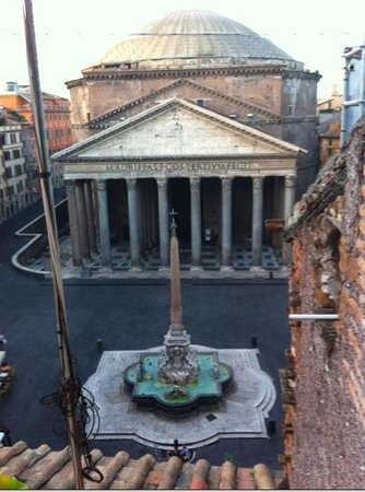 Albergo del Sole Al Pantheon: View from our suite.