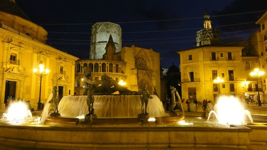 Casco Antiguo: Plaza de la Virgen