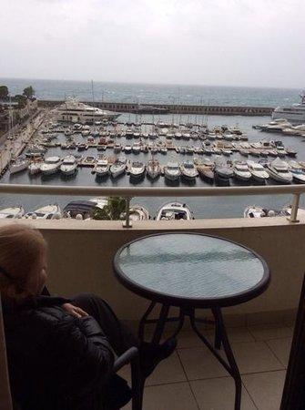 Riviera Marriott Hotel La Porte de Monaco : A grey December morn overlooking Porte de Monaco.