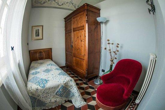Clavesana, Italia: camere
