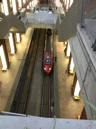 Liebfrauenkathedrale (Onze-Lieve-Vrouwekathedraal): High Speed Amsterdam-Paris