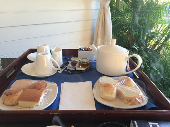 The House by Elegant Hotels: Afternoon Tea