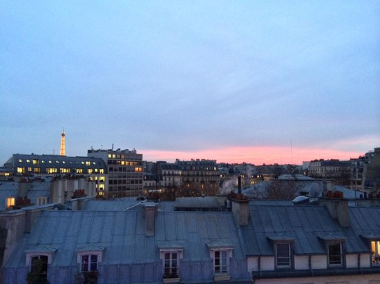 Hotel Etoile Saint-Honore by HappyCulture : View from window at Dusk