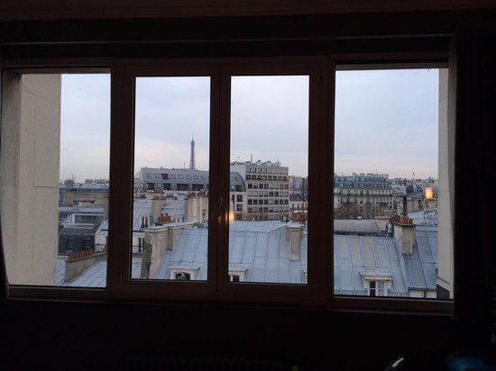 Hotel Etoile Saint-Honore by HappyCulture: View through rooms large windows
