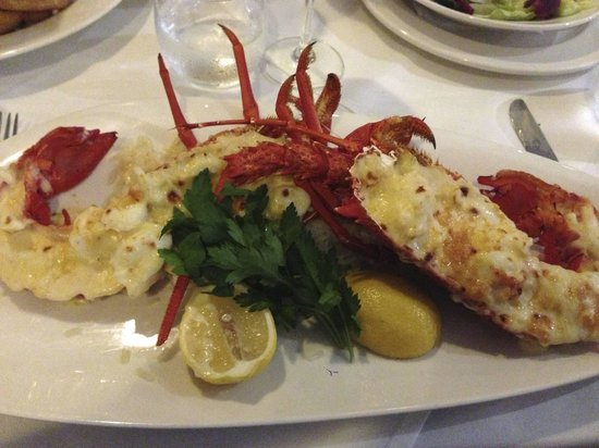 Omeros Bros Seafood Restaurant: Lobster Mornay - expensive, but delicious!